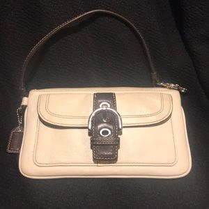 Handbags - Coach white leather wristlet